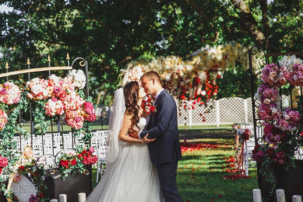 Свадебный фотограф Виктория