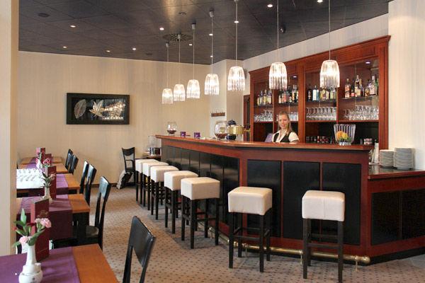 Beispiel: Restauranttheke, Foto: AKZENT Hotel Am Goldenden Strauss.