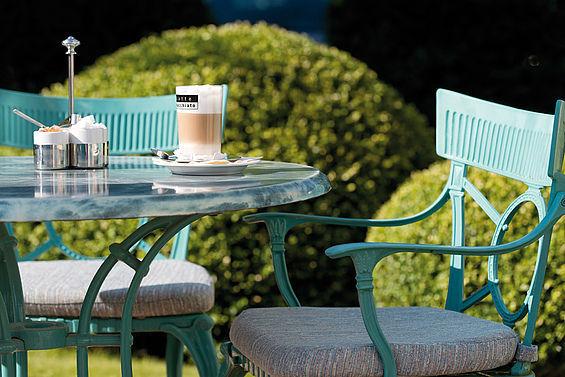 Beispiel: Restaurant mit Gartenlandschaft, Foto: Travel Charme Bernstein Prerow.