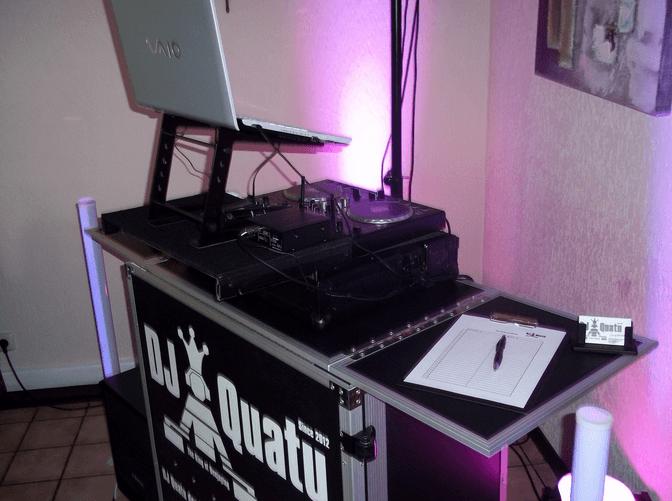 Beispiel: Ton- und Lichttechnik, Foto: DJ Quatu.