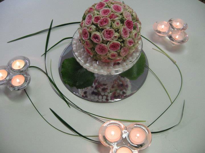 Beispiel: Romantische Tischdekoration, Foto: Blumen Kuhn Floraldesign.