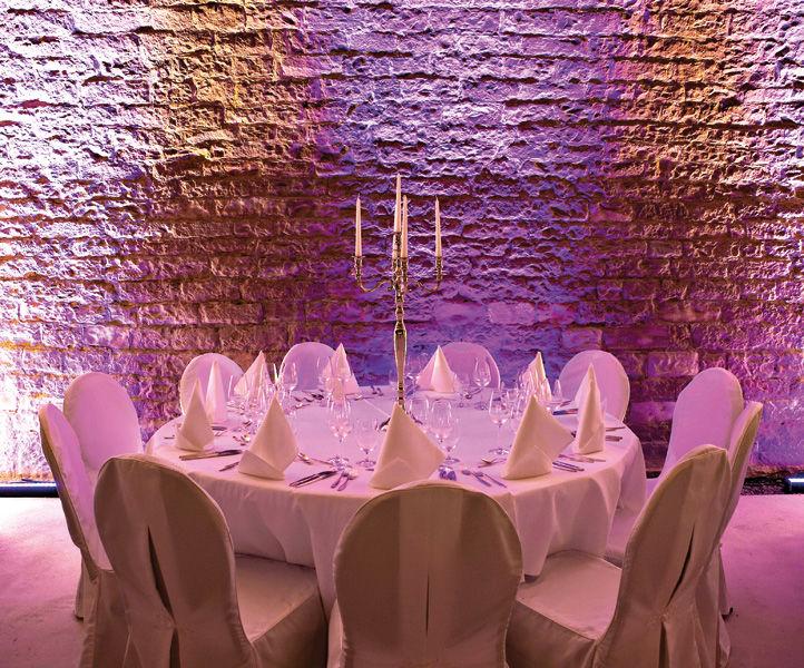 Beispiel: Tischdekoration, Foto: Alte Weinfabrik.