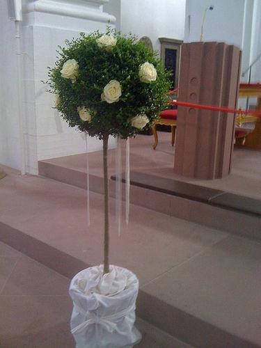 Beispiel: Kirchenschmuck, Foto: Blumen Piazza.