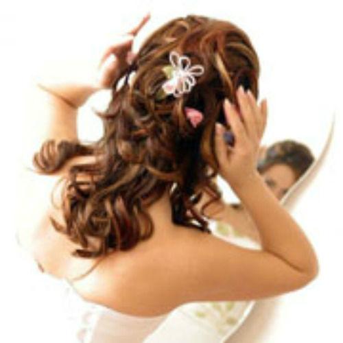 Beispiel: Die perfekte Brautfrisur, Foto: Sweethearts Wedding.