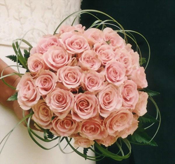 Beispiel: Hochzeitsfloristik, Foto: Blumen-Heller.