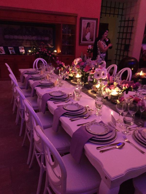Mesa Imperial en Madera provenzal para 18 personas y sillas Phoenix.