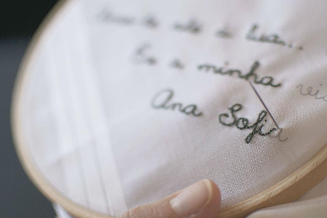lenço bordado, oferta para o noivo