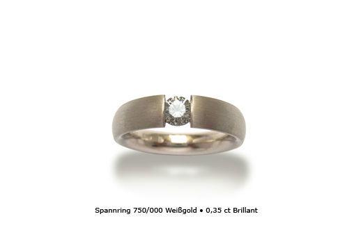 Beispiel: Weisgoldener Ring mit Brilliant, Foto: Panzerknacker Goldschmiede
