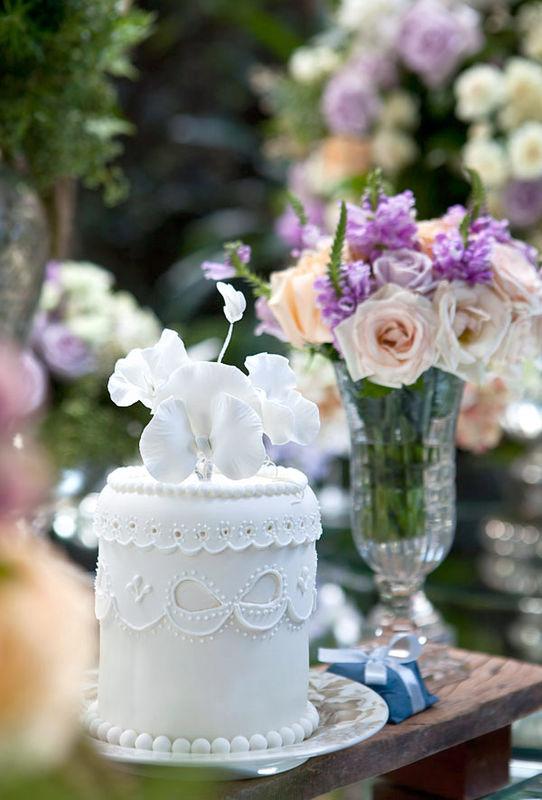 Lindos detalles acompañan esta dulce fiesta, una patina juvenil en tonos pasteles y añiles dan una frescura a todo el decorado, espero que lo disfruten.