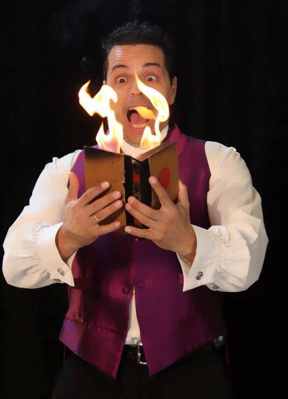 Manu, el mago