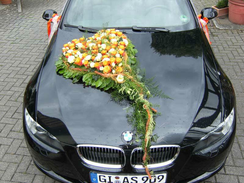 Beispiel: Autoschmuck, Foto: Blumen- und Gartenbau Schulz.