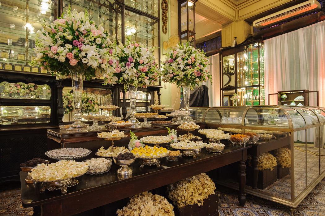 Mesa de doces - Salão térreo - Bar Jardim