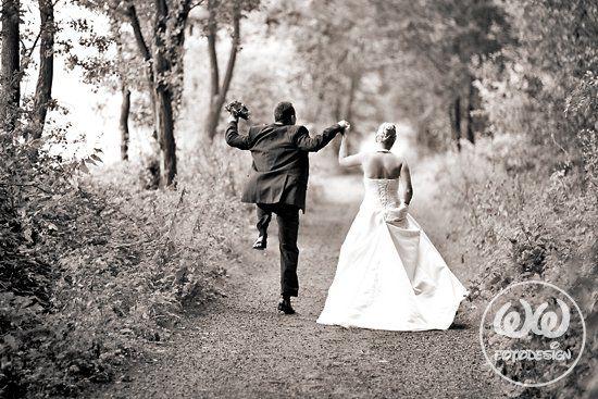 Beispiel: Witzige Portraitfotos vom Brautpaar, Foto: WW Fotodesign.