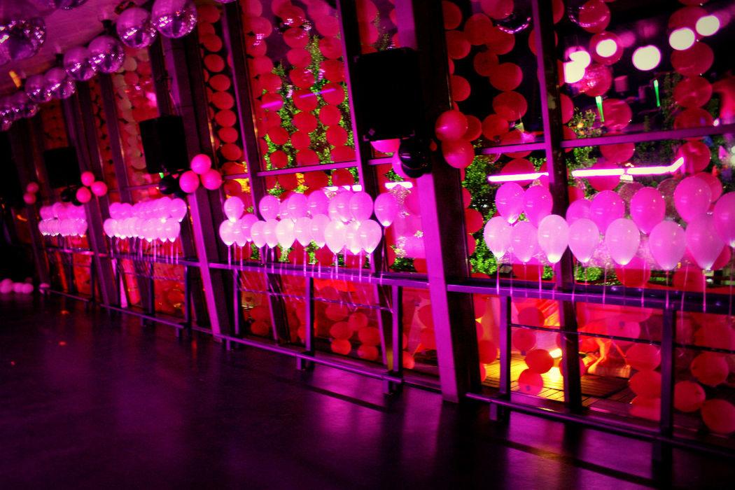Decoração com balões luminosos