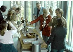 Beispiel: Weinprobe, Foto: Weingut am Stein.