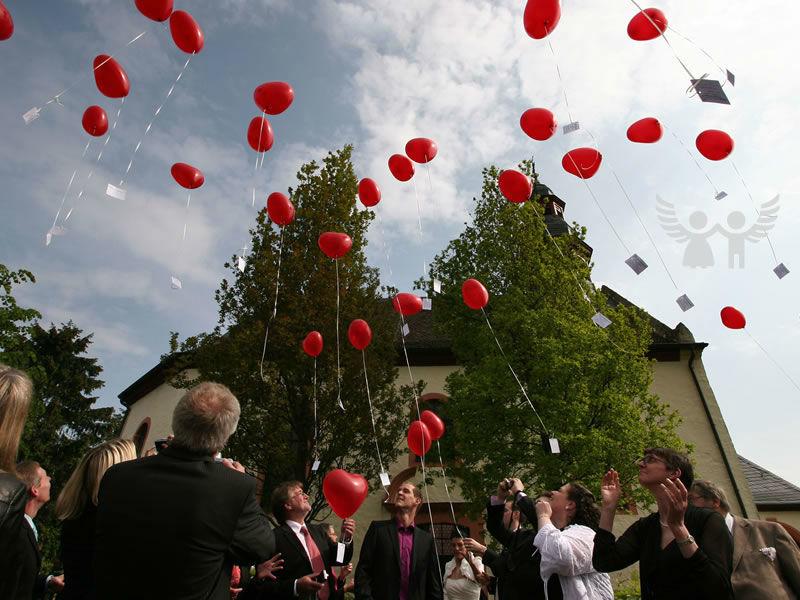 Beispiel: Traditionen und Bräuche geschickt in den Tag gebaut, Foto: Die Engel der Hochzeit.
