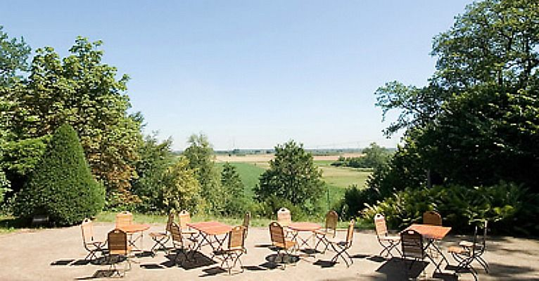 Beispiel: Aussichtsterrasse, Foto: Schloss Agathenburg.