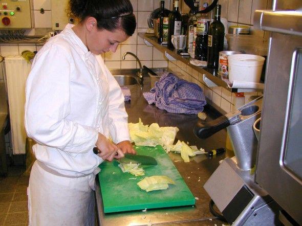 Beispiel: Einblick in die Küche, Foto: Antik-Hof Bissee.
