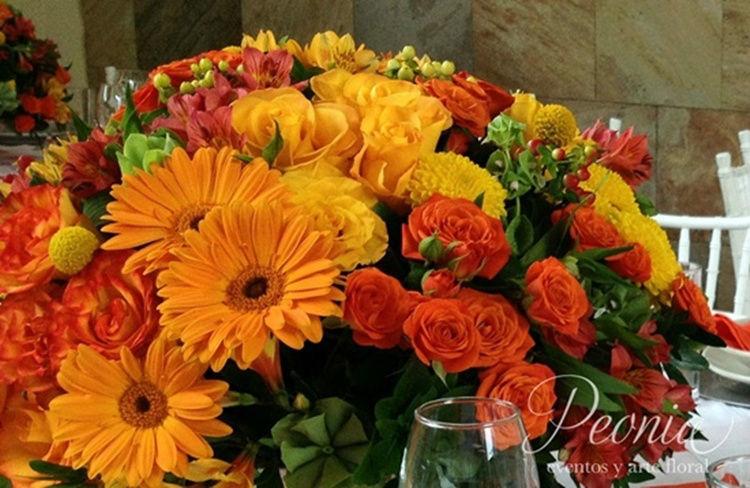 Centro de mesa. Peonia Eventos y Arte Floral