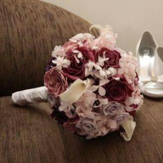 Flor de Cór  - buquê de gardênias, rosas,  mini callas e hortênsias naturais preservadas