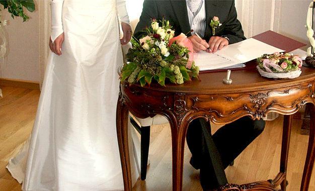 Beispiel: Hochzeitsfloristik, Foto: Die kleine Blumenwerkstatt.