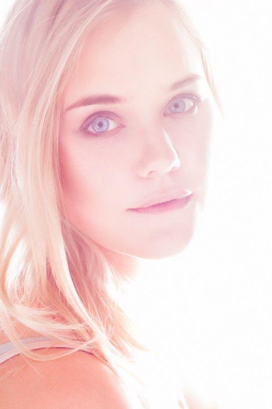 Makellose Haut, leuchtende Augen.