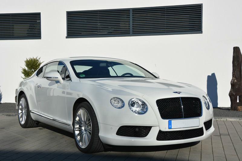 Beispiel: Bentley als Hochzeitauto, Foto: Exclusiv Autovermietung Drost.