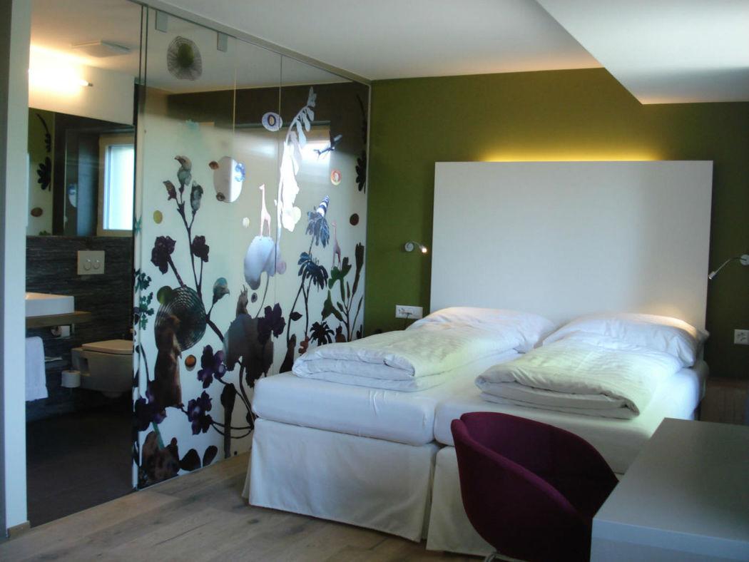 Beispiel: Zimmer, Foto: Halbinsel Au.