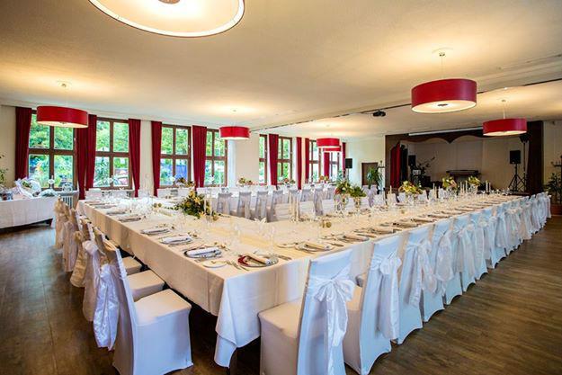 Beispiel: Hochzeitsbankett, Foto: Weyprechthof.