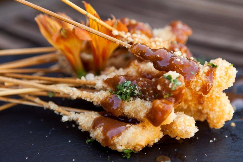 Langostinos crujientes con salsa tamarindo por Nuria Cervera Chefs
