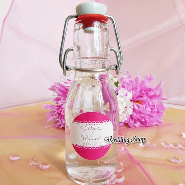 Beispiel: Personalisierte Flasche, Foto: Wedding Shop.