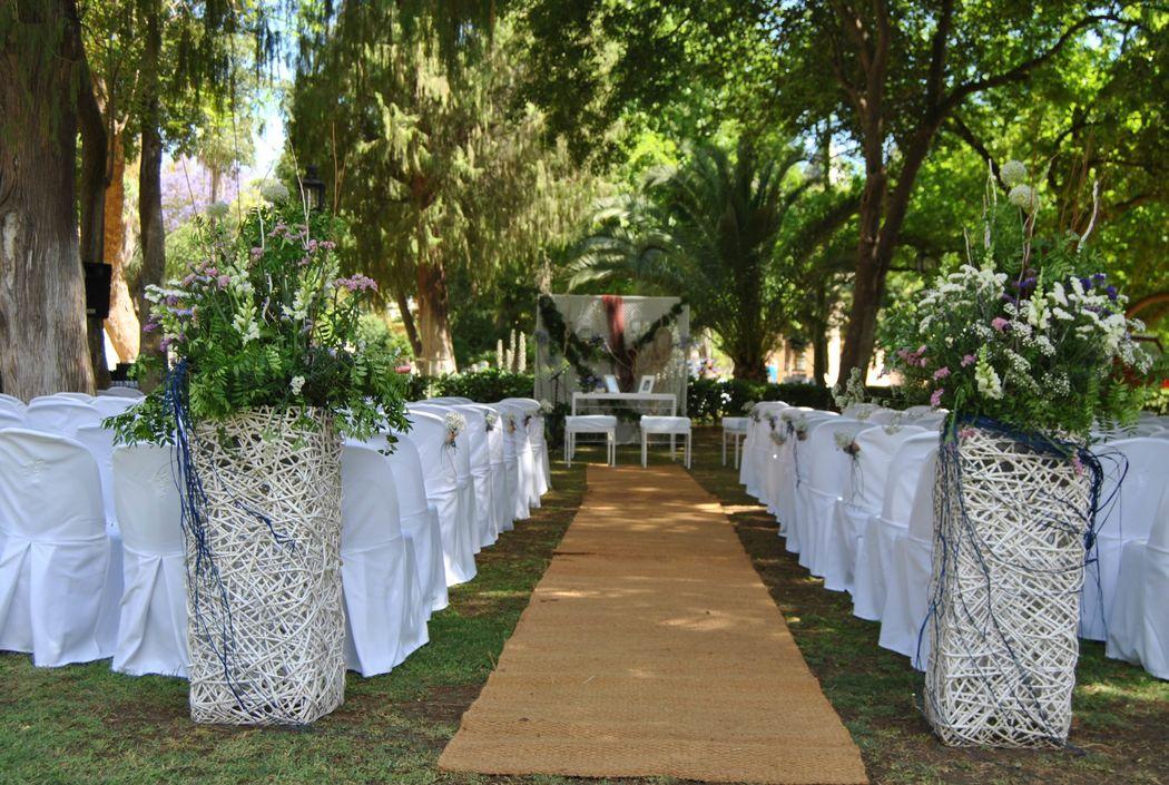 Ceremonia civil en los jardines del Recreo de las Cadenas