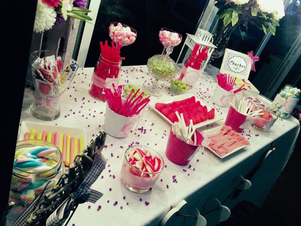 Detalles Lacuey. Candy Bar de chucherías para una boda muy especial.