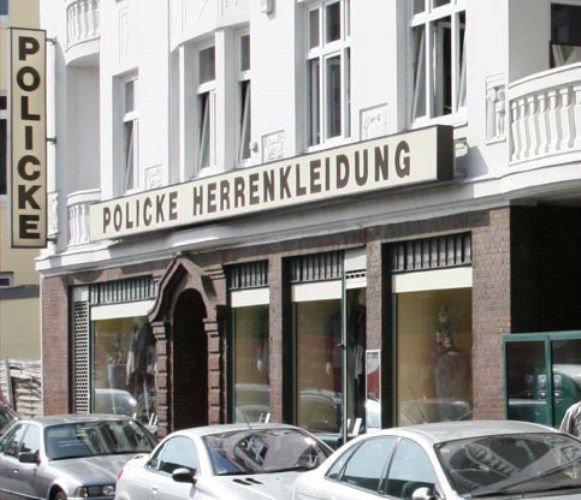 Beispiel: Ladengeschäft, Foto: Policke Herrenkleidung.