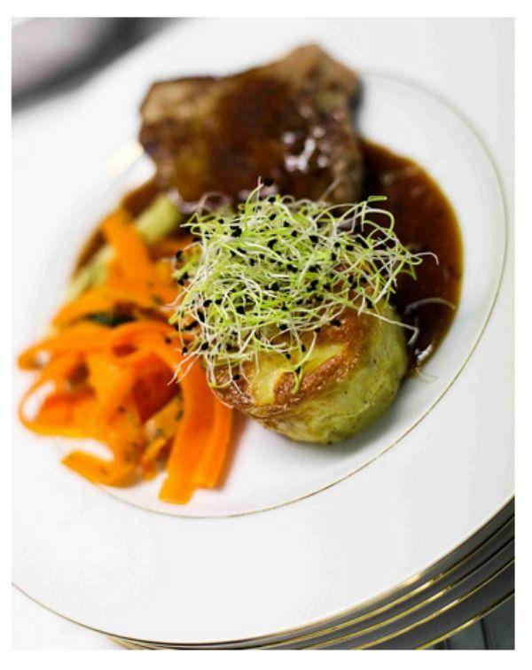 Pièce de veau à la graine de moutarde, tagliatelles de carottes et gâteau dauphinois.