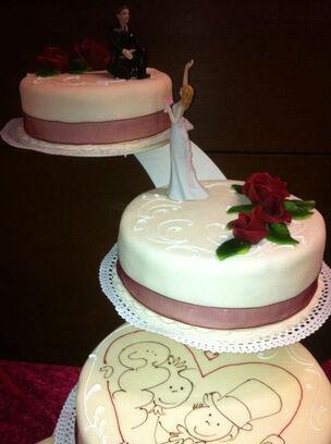 Beispiel: Erfüllen Sie sich Ihren Traum von einer Hochzeitstorte, Foto: Bar and more Eventcatering.