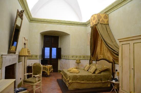 Stanze - Castello di Limatola