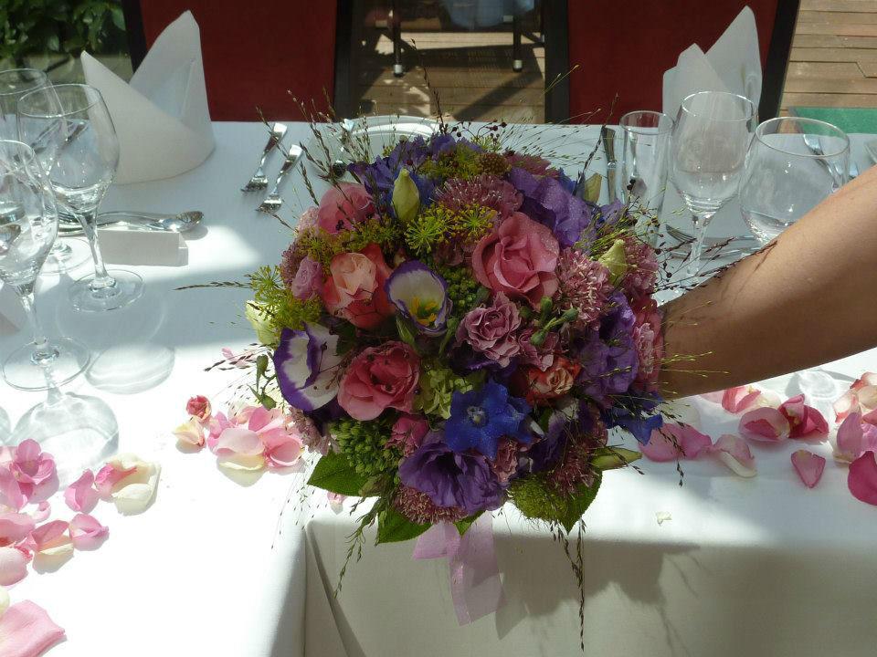 Beispiel: Hochzeitsfloristik, Foto: Blumenstube Rath.