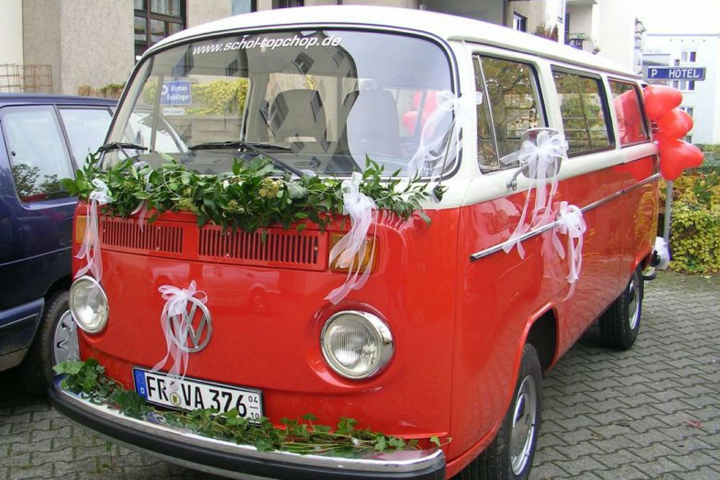Beispiel: Autodekoration, Foto: Gnädinger Floristik.