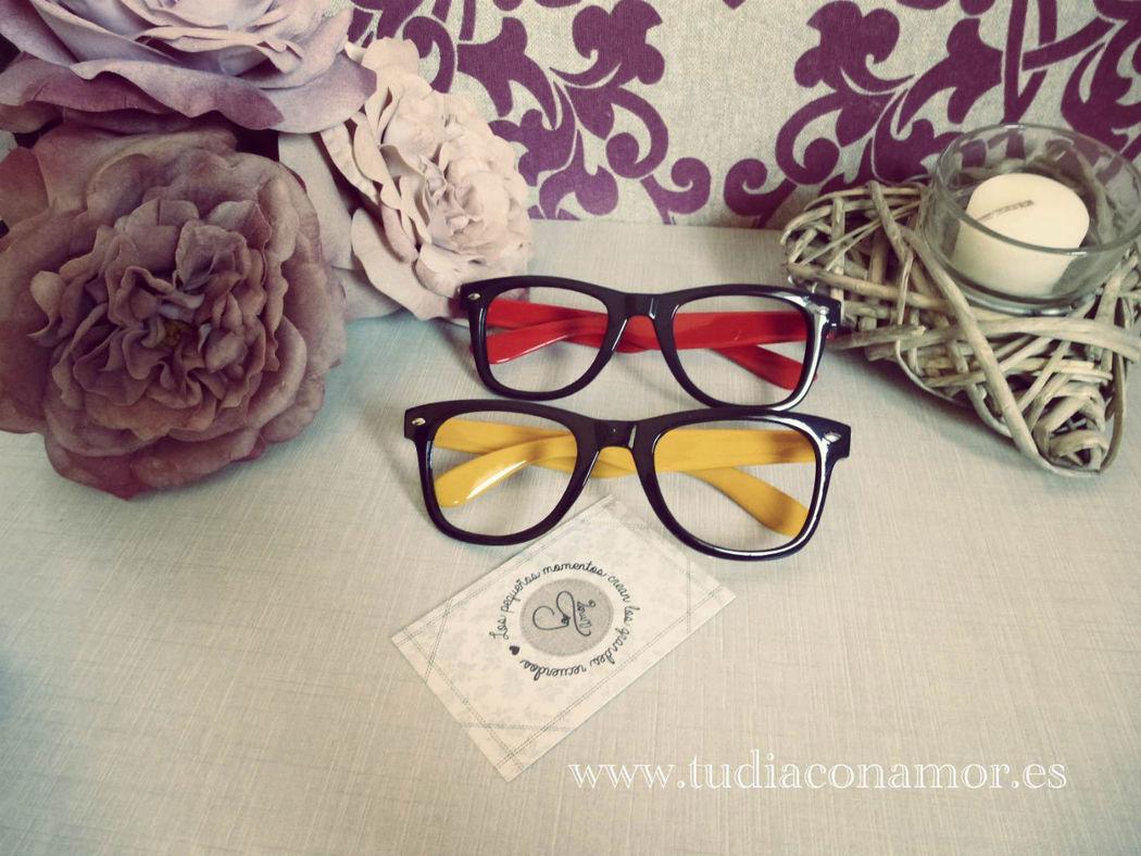 Complementos gafas de pasta para el photocall