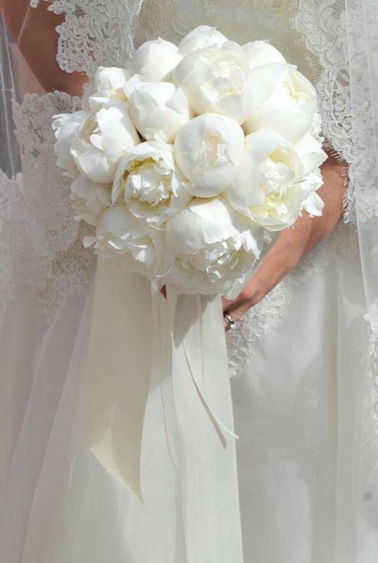 Beispiel: Der schönste Tag in Weiß, Foto: Brautzauber.