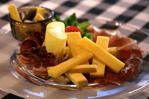 Beispiel: Fingerfood, Foto: Restaurant Zugerberg.