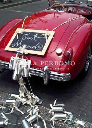 Decoración original del auto de boda. Foto: Paola Perdomo