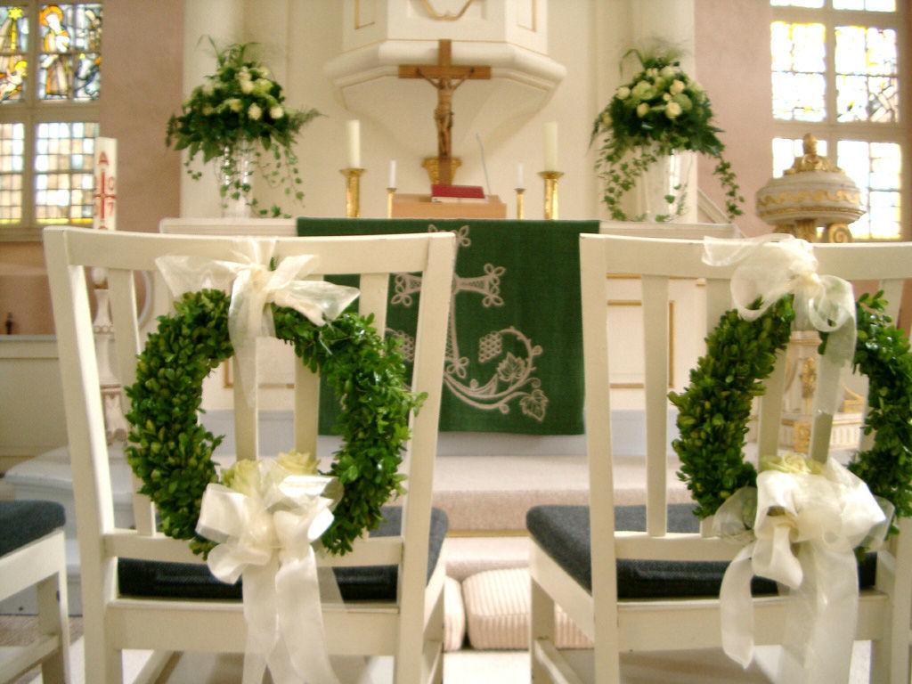 Beispiel: Kirchenschmuck, Foto: Art Fleur – Floristik aus Holland.