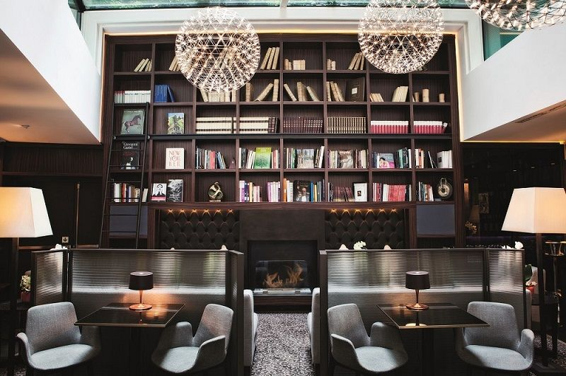 Hotel Milano Scala - foyer libreria