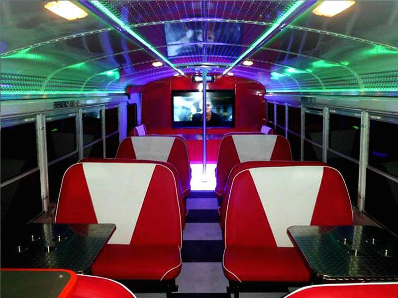 Beispiel: Innenansicht des Busses, Foto: EliteLimos.