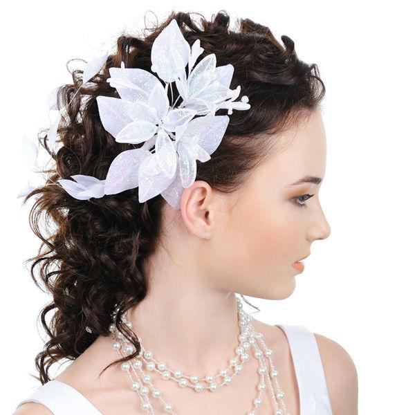 Beispiel: Wunderschöne Brautfrisur, Foto: Le Salon Deluxe.