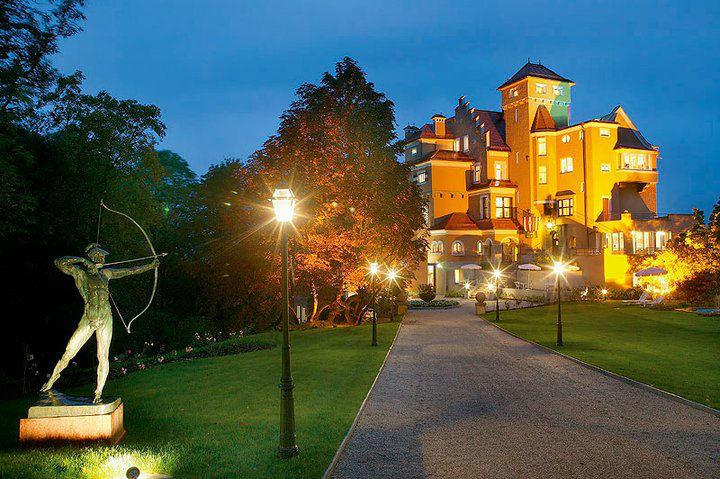 Abendstimmung im Schloss, Foto: Hotel Schloss Mönchstein.