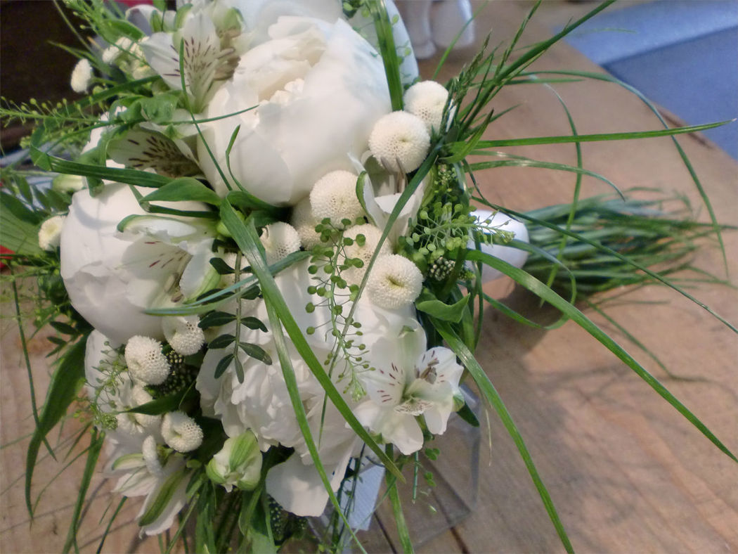 Beispiel: Brautstrauß, Foto: Blumenkunst im Prinz-Karl Palais.