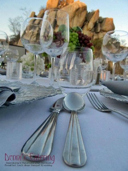 Catering profesional y renta de mobiliario para bodas en Los Cabos - Foto Denni's Catering